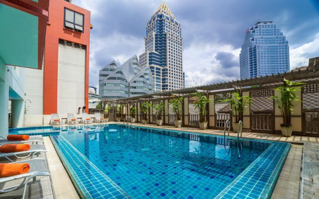 Bandara Silom Pool